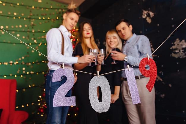 2019 números festa de ano novo, árvore de natal