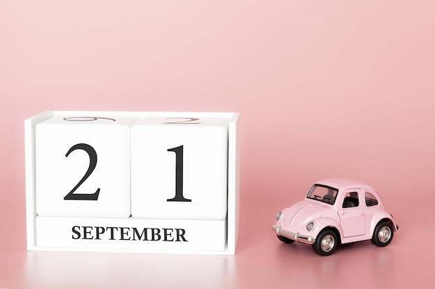 21 de setembro dia 21 do mês. cubo de calendário com carro
