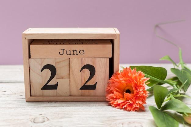 22 de junho, 22 de junho de madeira no calendário de madeira