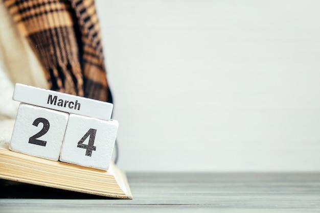24 vigésimo quarto dia de março do calendário do mês da primavera