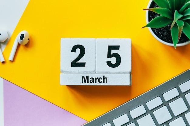 25 vigésimo quinto dia de março do calendário do mês da primavera