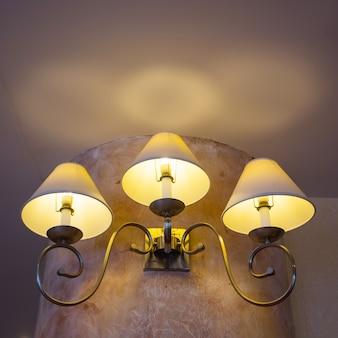 3 lâmpadas, retro montado na parede leve, macio, confortável, romântico