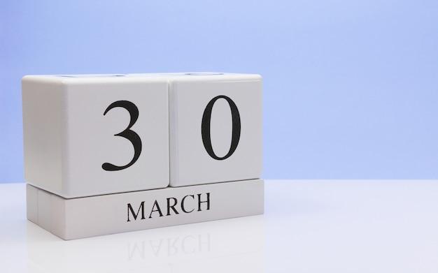 30 de março dia 30 do mês, calendário diário em branco.