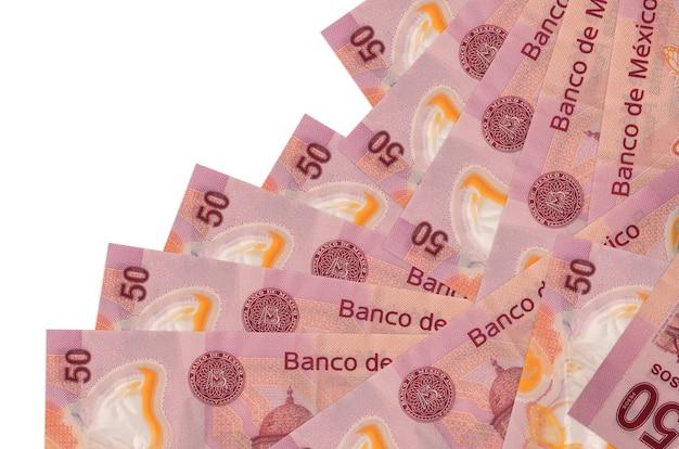 50 notas de pesos mexicanos estão isoladas em ordem diferente. banco local ou conceito de fazer dinheiro.