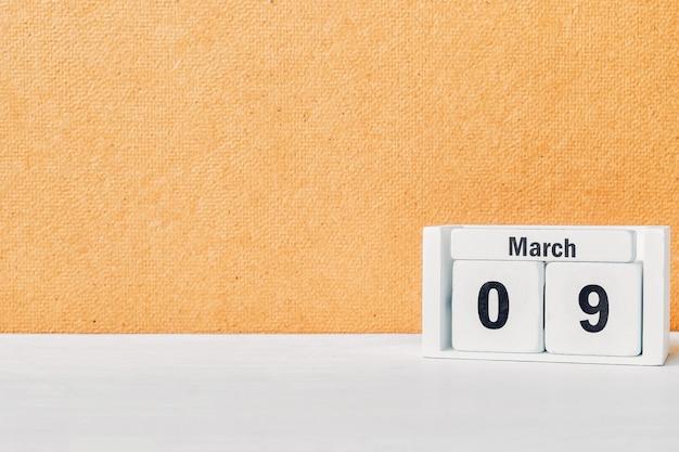 9 nono dia de março do calendário do mês da primavera com espaço de cópia.