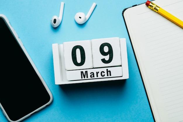 9 nono dia de março do calendário do mês da primavera.