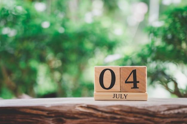 À¹ ‹à¸µ julho 4 calendário de madeira