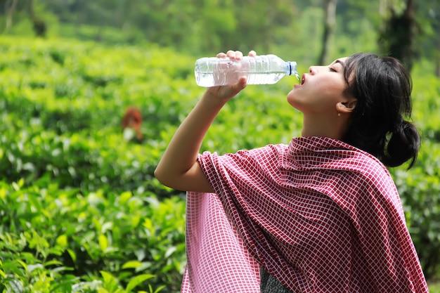 A água é muito boa para a saúde.