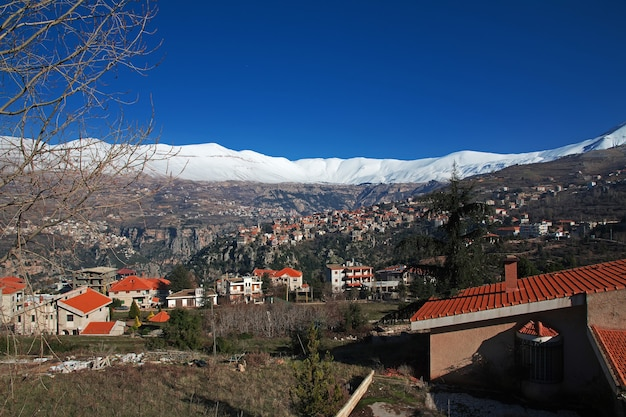 A aldeia no vale kadisha do líbano