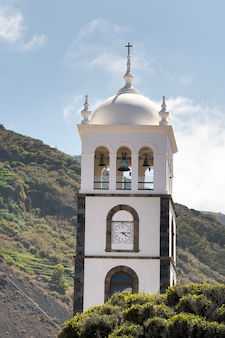 A antiga igreja do ex-convento de san francisco em garachico, tenerife, espanha.