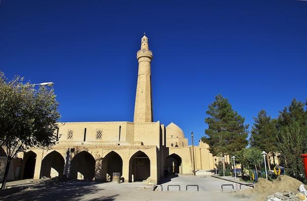 A antiga mesquita na cidade de nain, irã