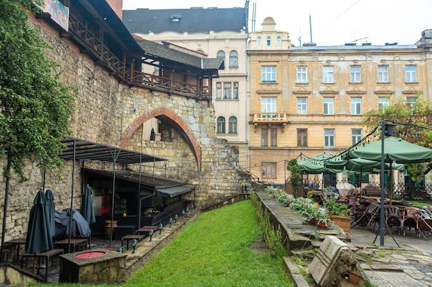 A arquitetura da velha europa. viajar para a ucrânia. arquitetura de lviv