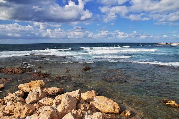 À beira-mar na cidade de trípoli, líbano