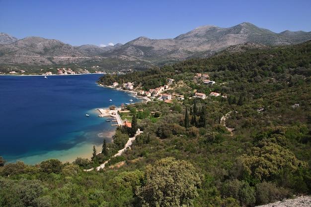 A bela costa do mar adriático, croácia