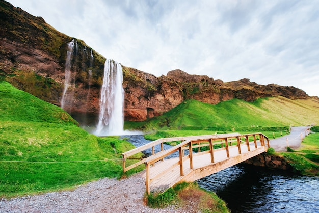 A cachoeira islandesa mais famosa