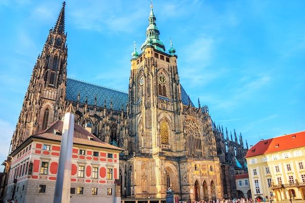 A catedral metropolitana de santos vitus no castelo de praga.