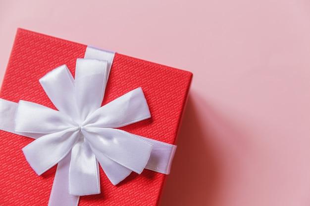 A celebração do aniversário dos namorados do ano novo de natal apresenta um conceito romântico