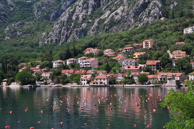 A cidade antiga perast na costa do adriático, montenegro