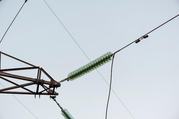 A conexão de fios de alta tensão