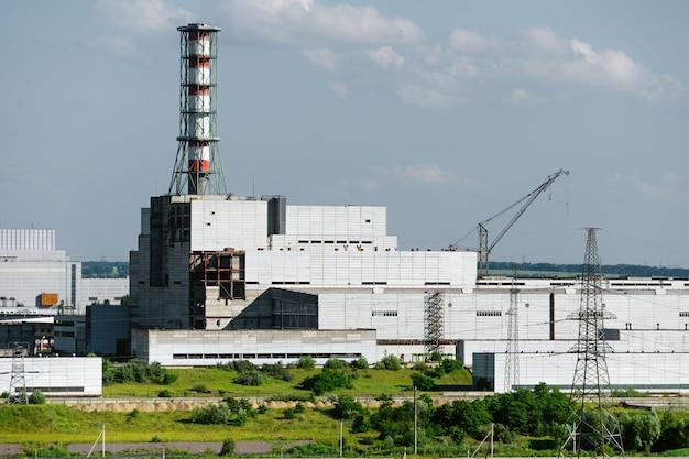 A construção da unidade da usina nuclear.