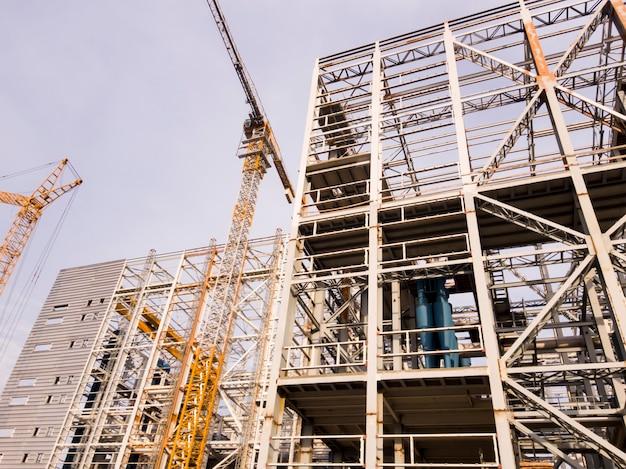 A construção de uma fábrica de enriquecimento. mineração e planta de processamento. mineração de silvinita. distrito de petrikov, república da bielorrússia.