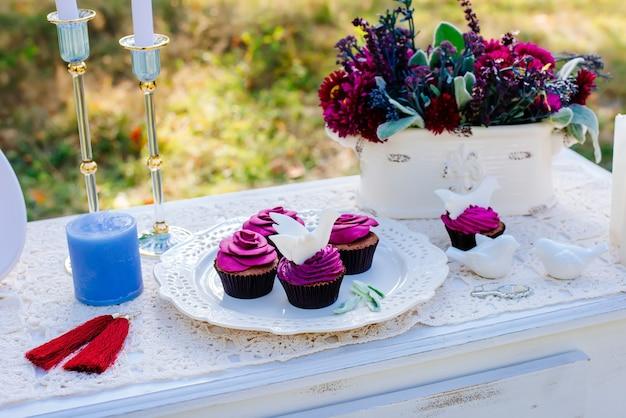 A decoração do casamento.
