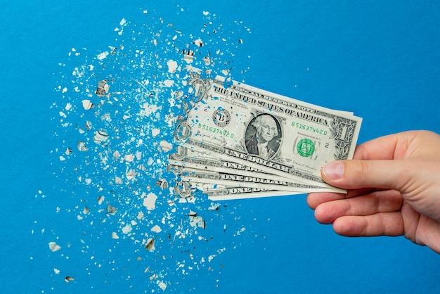 A desvalorização da impressão de dinheiro leva à diminuição da inflação no valor da moeda americana ...