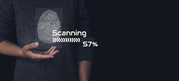 A digitalização de impressão digital fornece acesso de segurança com identificação biométrica. reconhecimento de impressão digital