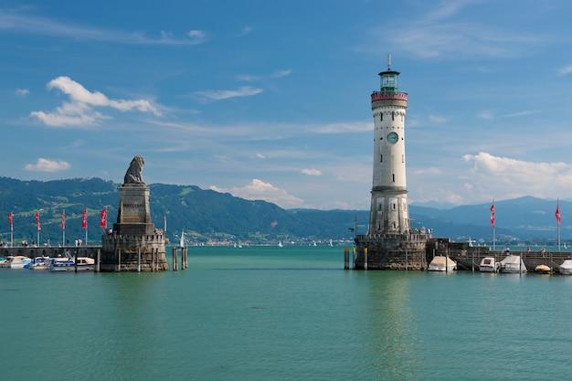 A entrada do porto de lindau