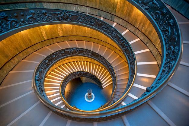 A escadaria bramante