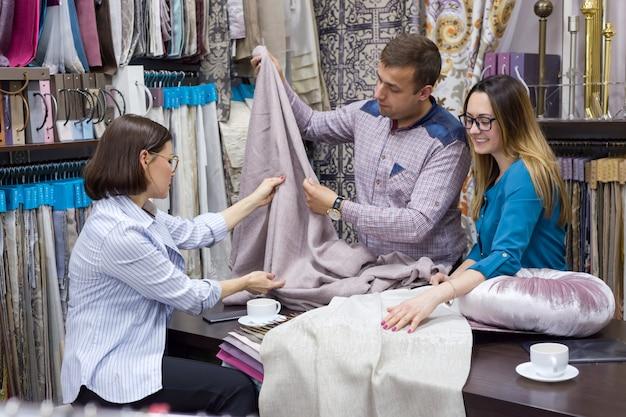 A escolha de tecidos para decoração de interiores