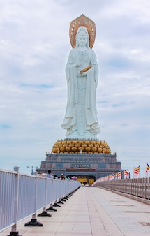 A estátua da deusa guanyin