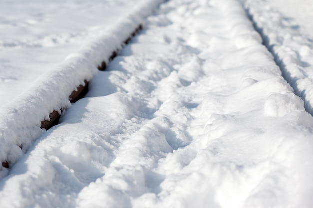 A estrada de ferro na neve