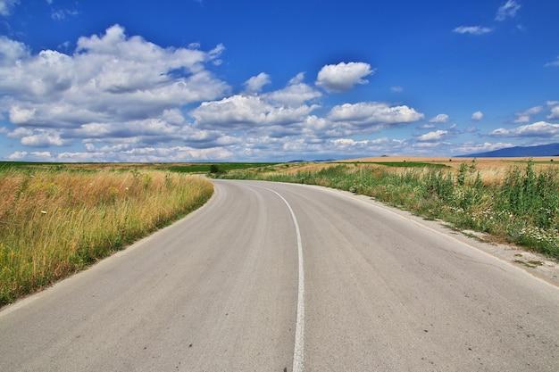 A estrada nas montanhas da bulgária