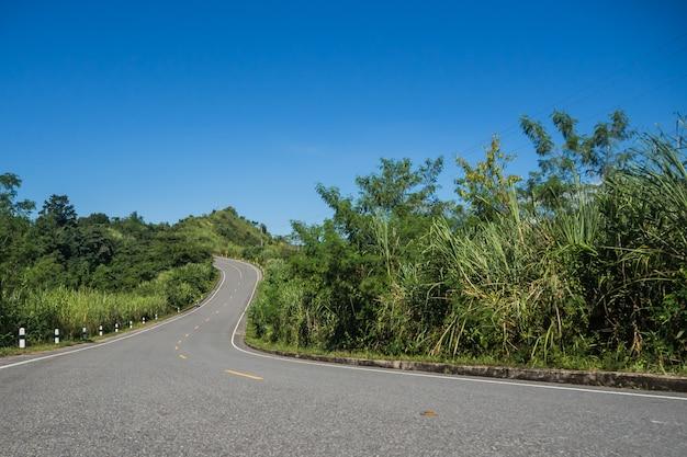 A estrada para a montanha