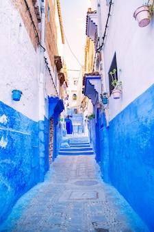 A famosa cidade azul de chefchaouen.
