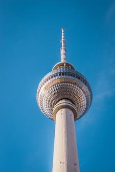A famosa torre de tv em berlim, alemanha.