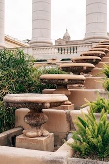 A fonte mágica de montjuic na colina de montjuic em barcelona, espanha
