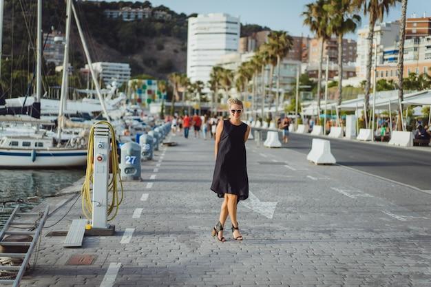 A garota no porto