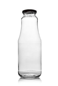 A garrafa de vidro vazia para bebidas ordenha, suco, água em um branco.