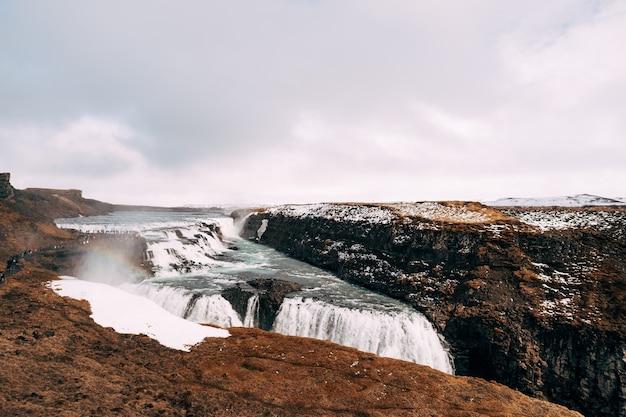 A grande cachoeira gullfoss, islândia