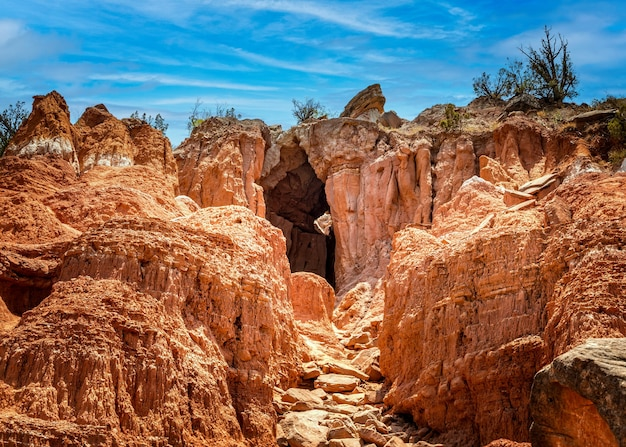 A grande caverna no parque estadual palo duro canyon, texas, eua