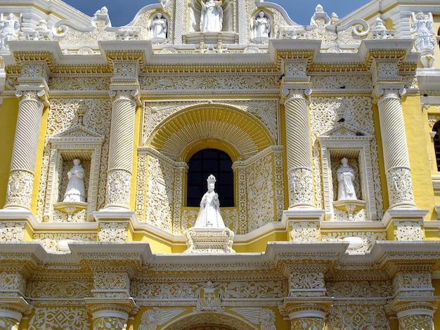 A igreja em antígua, guatemala