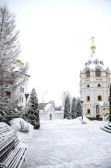 A igreja ortodoxa e o mosteiro de st elisabeth na ucrânia