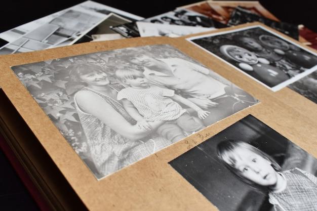 A lembrança do passado distante. arquivo de fotos de família.