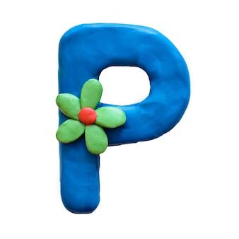 A letra p do alfabeto inglês de plasticina