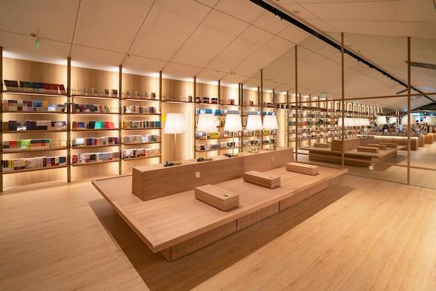 A livraria yanjiyou, museu da experiência da vida, é uma loja de experiência criativa com grande imaginação e criatividade, mostrando personalidade e personalidade.
