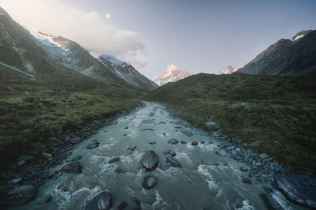 A luz se apaga em hooker valley, nova zelândia