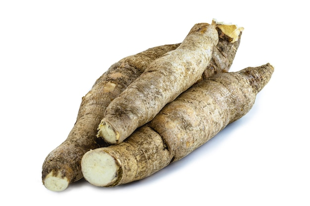 A mandioca brasileira, uma verdura usada na culinária brasileira, chama-se macaxeira,