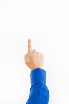 A mão dos homens mostra a direção